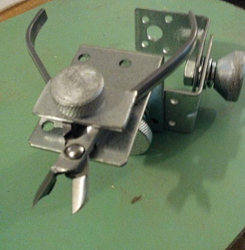 Манипулятор для заточки маникюрных кусачек